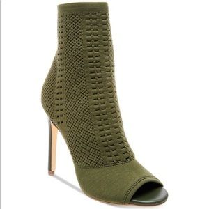 Steve Madden Candid army green knit ankle booties